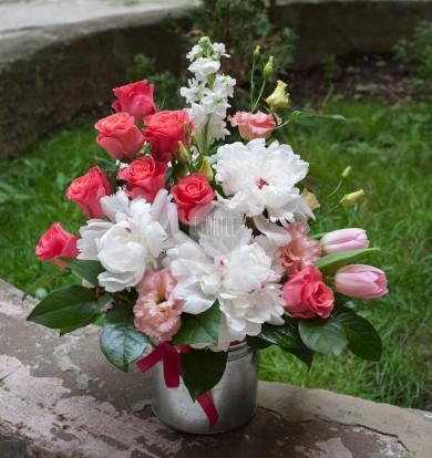 Bujori și trandafiri  I