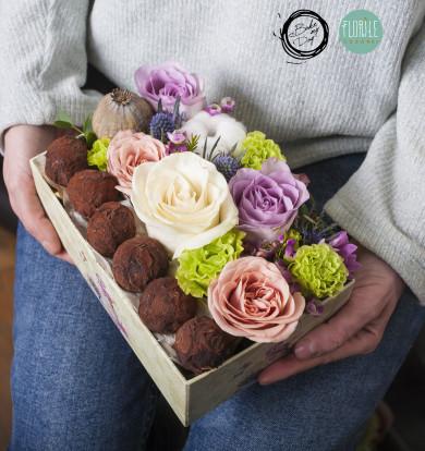 Cutie cu flori si trufe