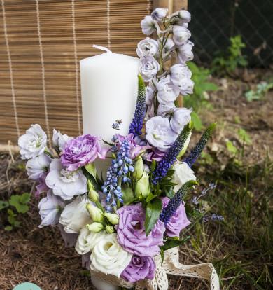 Lumânări scurte cu flori lila
